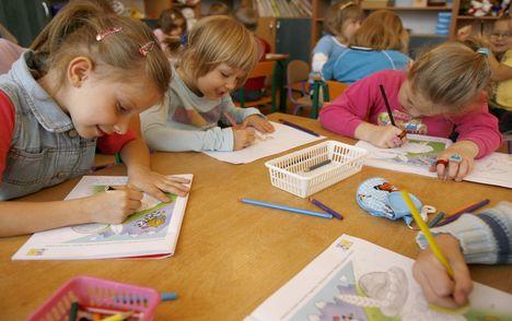 Sześciolatki w szkole: rząd kolejny raz zmienia zdanie