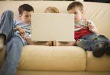Z internetu korzystają coraz młodsze dzieci